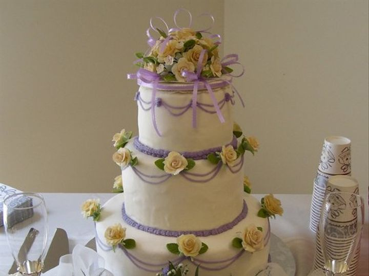 Tmx 1282269610454 RosesWeddingCake Durham wedding cake