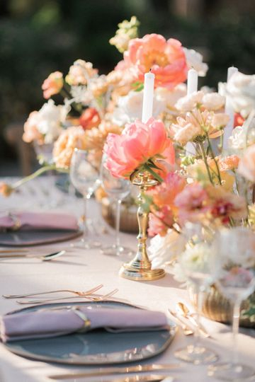 Coral wedding table set up