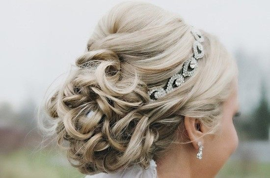 The Headbands of Hope Diamond Collection make a beautiful statement for any bride. Sparkle and...