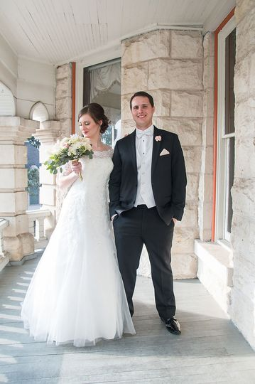 11434704228ee0dc 1538499211 752b18599e65b5f1 1538499203587 8 Austin Wedding Pho