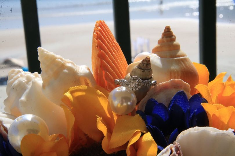 The ring and seashells