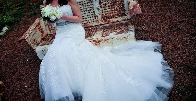 The bride with rustic designs