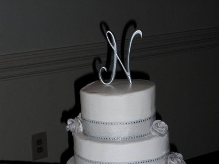 Tmx 1294120681925 DSCI0267 Advance wedding cake