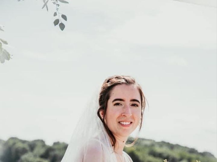 Tmx Bn Bride Closeup 51 1895207 160917762955532 Afton, MN wedding florist