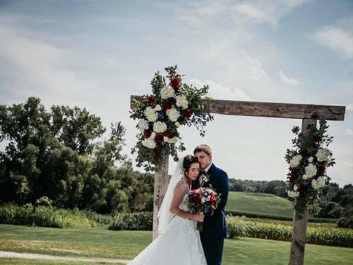 Tmx Bn Couple Arch 51 1895207 160917762931662 Afton, MN wedding florist