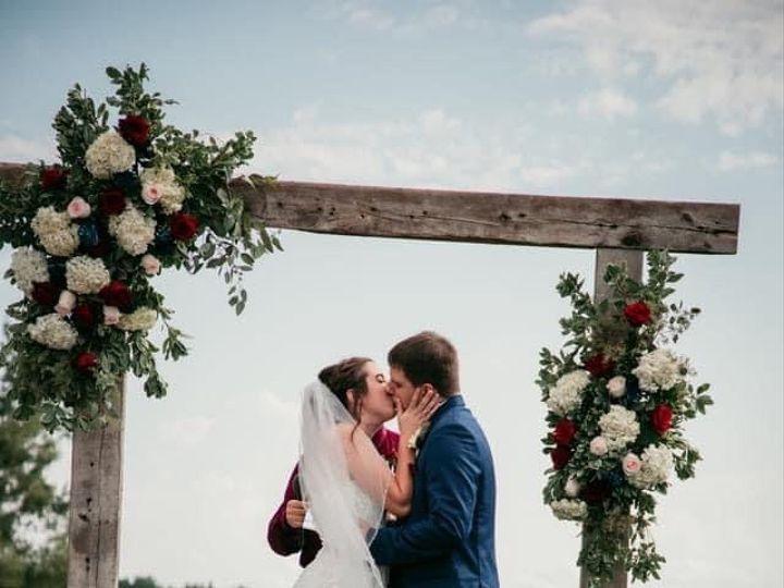 Tmx Bn Couple Kissing Arch 51 1895207 160917762979712 Afton, MN wedding florist