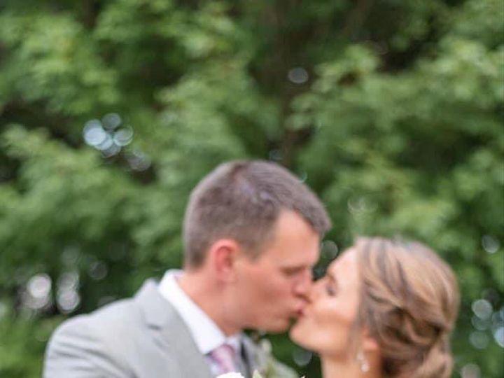 Tmx K Bride Kissing 51 1895207 160917763172415 Afton, MN wedding florist