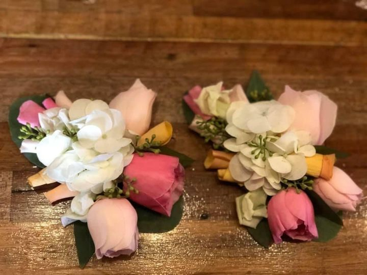Tmx K Corsage 51 1895207 160917763169694 Afton, MN wedding florist