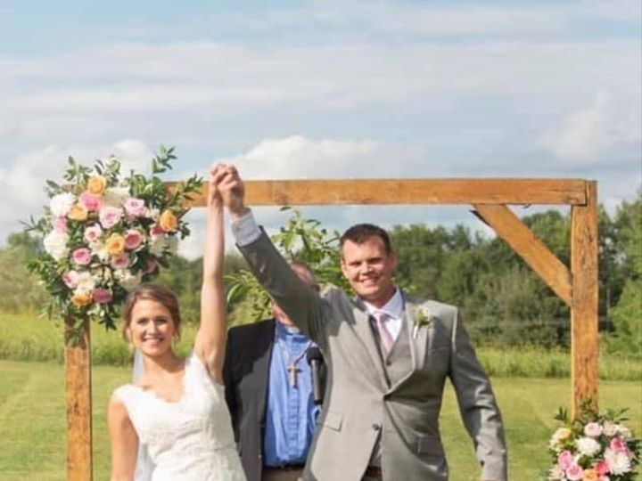 Tmx K Couple Arch Bouq 51 1895207 160917763111536 Afton, MN wedding florist