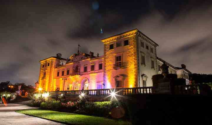 J. CLOSS Events and Weddings
