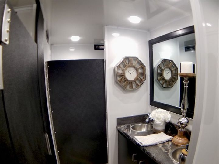 Tmx Double Vanity 51 1060307 1555370747 Chester, MD wedding rental