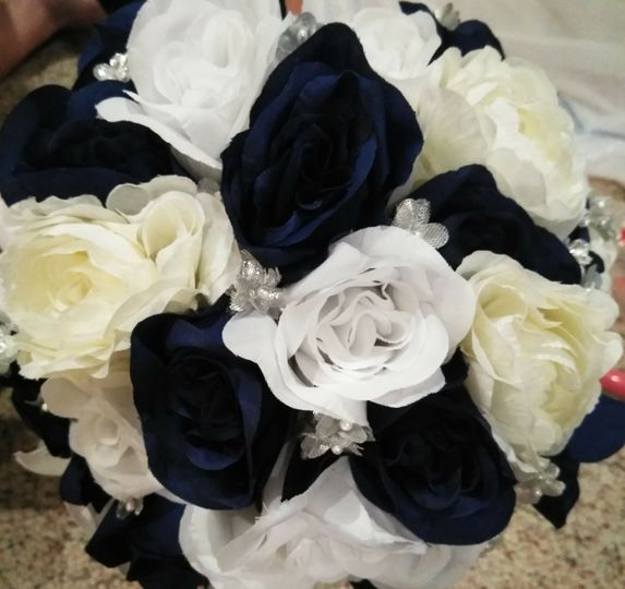 Navy and ivory bouquet