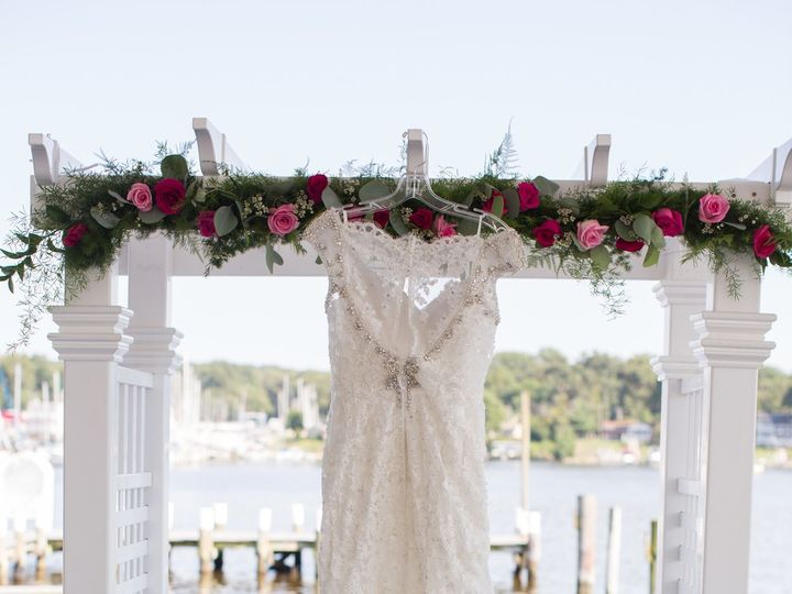 Tmx 1515098621 948216274b809919 1515098617 Bd92cee6e3845470 1515098615778 2 5DM38788 Pasadena, Maryland wedding florist