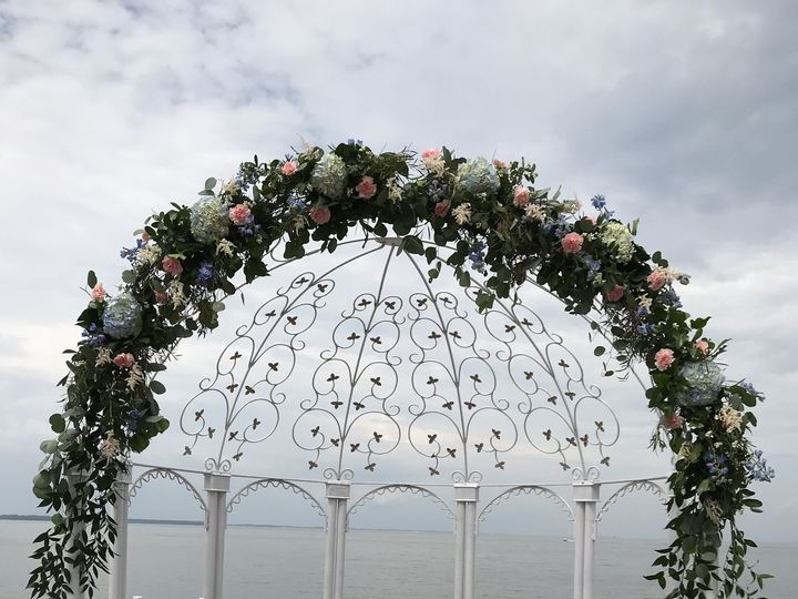 Tmx 1536257210 Ef24b294bb6d9fb1 1536257197 6789506ed7cf0755 1536257195989 1 500arch Pasadena, Maryland wedding florist