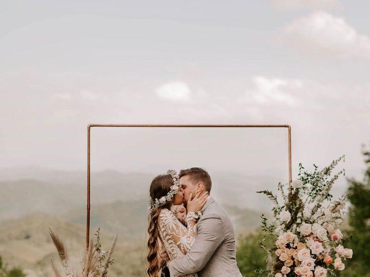 Tmx Img 7547 1 51 1764307 1563908704 Lenoir, NC wedding florist