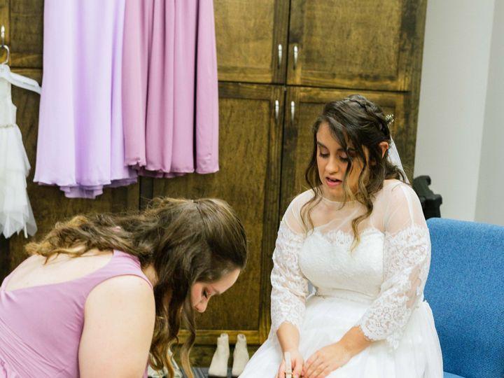 Tmx Gettingready 30 51 1916307 158924105687285 Warrenton, NC wedding photography