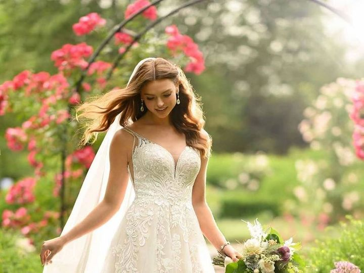 Tmx 90105222 10163326782990191 8059118239562596352 O 51 36307 159431555756234 Hamburg, Michigan wedding dress