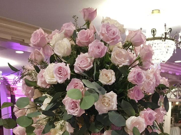 Tmx 1528913394 5a937e20d317fd84 1528913392 E1a0b245feb85451 1528913380497 21 Roses 3 1 Haledon, New Jersey wedding florist