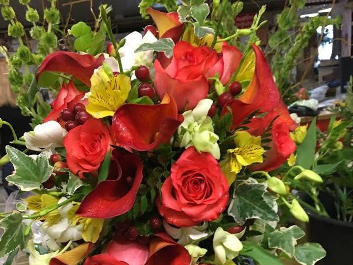 Tmx 1528914194 93b949c9fb3a20a7 1528914193 71ed24b858101ecd 1528914189978 10 Red Cascade Haledon, New Jersey wedding florist