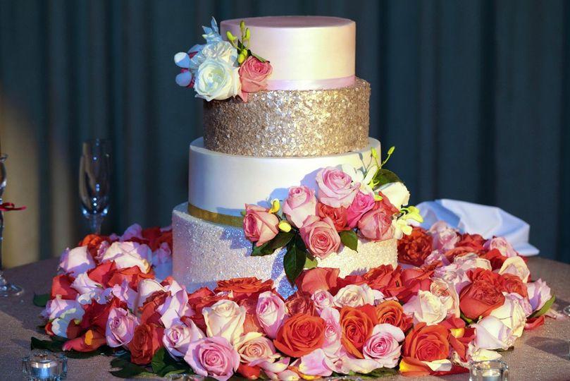 roses glitter cake 51 1070407 1564583758