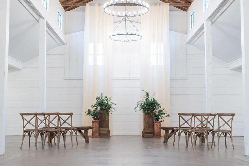 70b76c12d1a1c853 1509556999199 wedding set up