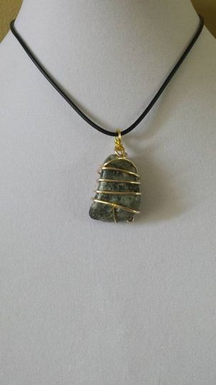 green agate stone gold