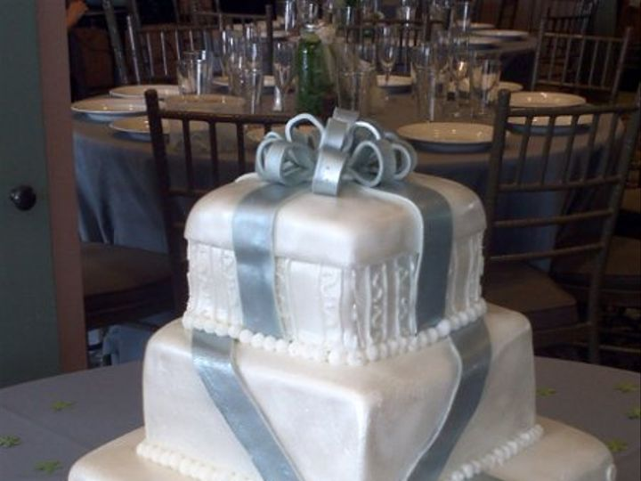 Tmx 1326257589128 IMG20110820141331 Ventura wedding cake