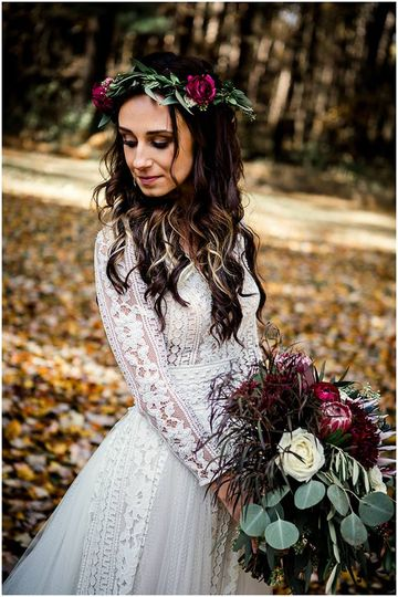 Floral crown and wedding bouquet