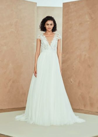 Tmx Aregsrg 51 1048407 New York, NY wedding dress