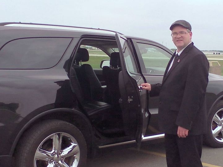 Tmx 1469908232769 1127026814138322256072108511804353266497648o Grand Rapids wedding transportation