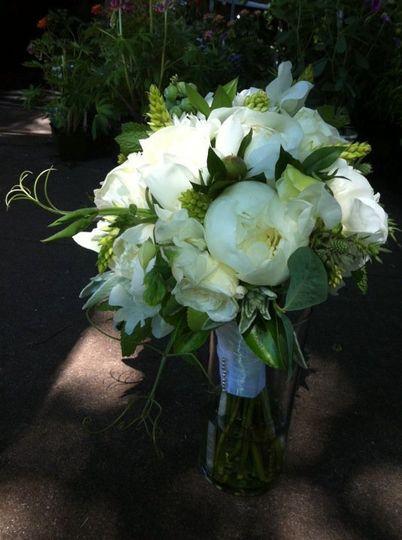 goose hollow flowers flowers portland or weddingwire. Black Bedroom Furniture Sets. Home Design Ideas