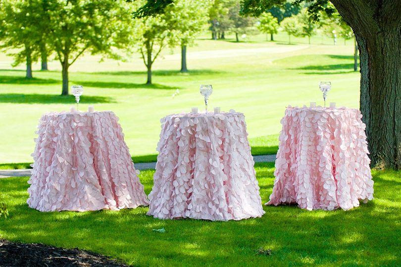 Petal taffeta tablecloths