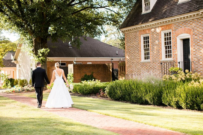 bride and groom with old house in background 51 1038507