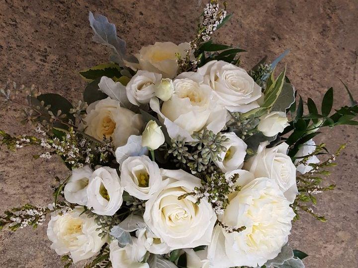 Tmx All White Roses Lizzy Peony 51 533607 160009111349008 Mendon wedding florist
