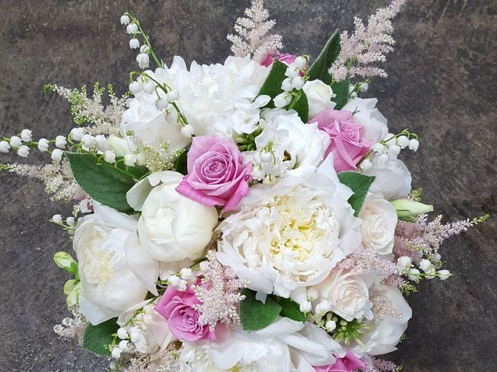 Tmx Lily Of The Valley Cascade 51 533607 160009119618351 Mendon wedding florist