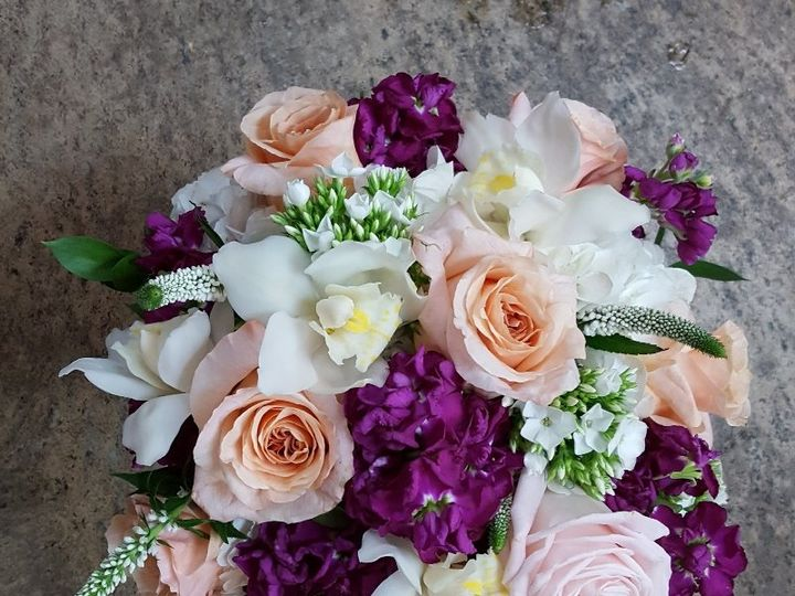 Tmx Peach Shimmer And Orchids 51 533607 160009122143541 Mendon wedding florist