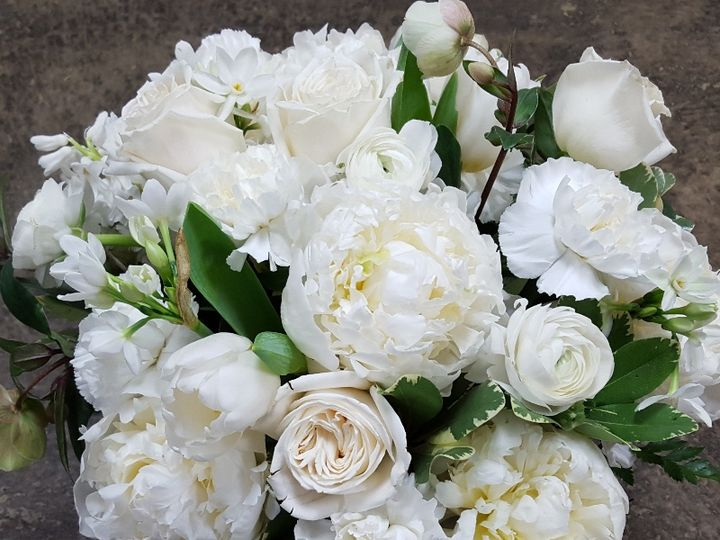 Tmx White Peony And Hellebore 51 533607 160009128237979 Mendon wedding florist