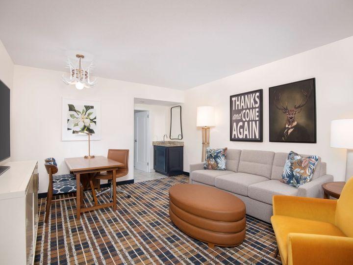 Tmx Suite Living Roomdupe 51 968607 160435610638380 Atlanta, GA wedding venue