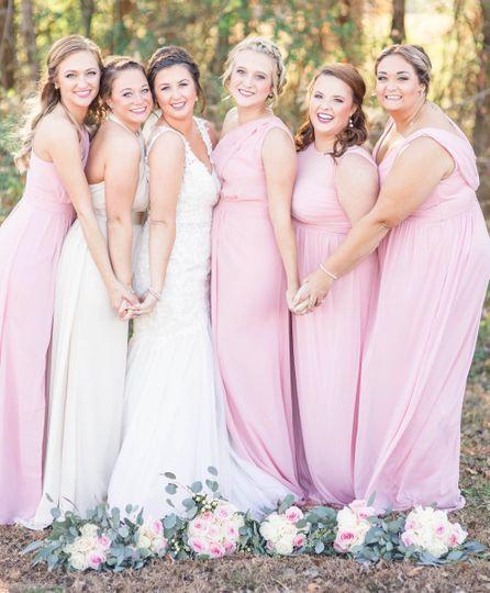Bride with friends|kara blakeman photography