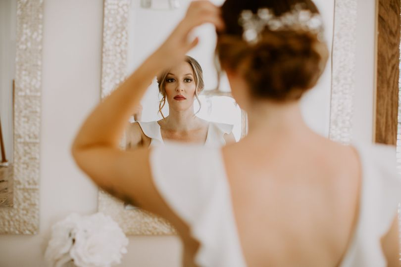 Pretty bride|30 miles west photography