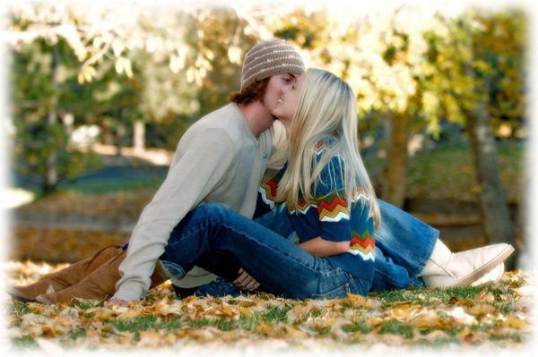 Kissing by the leaves