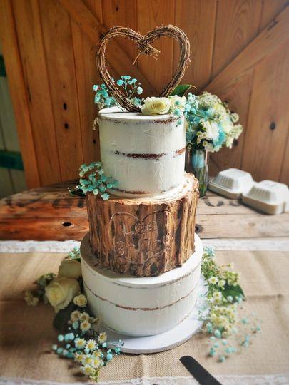 Rustic natural barn wedding