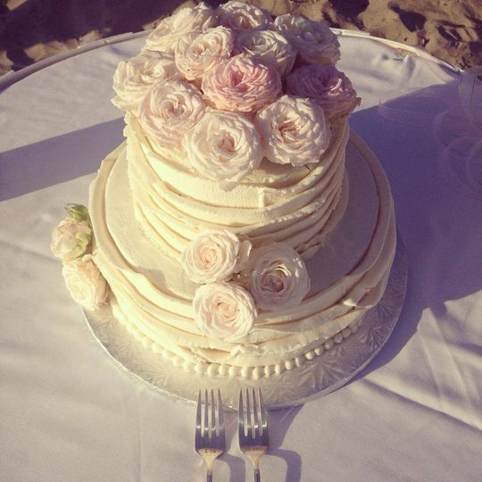 Coronado Cupcakery - Wedding Cake - Coronado, CA - WeddingWire