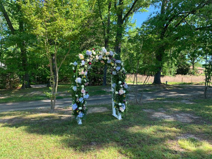 Archway wildflower theme