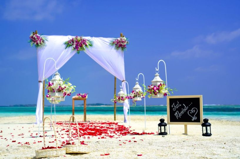 Summer beach wedding design