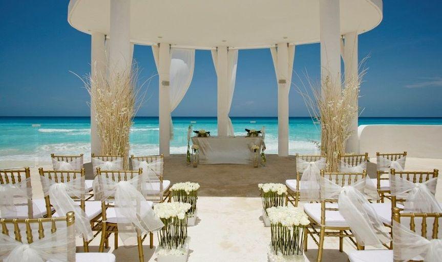 White beach wedding design