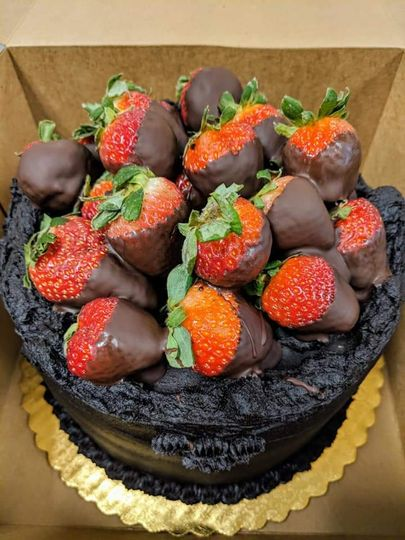 Topping of chocolate-covered strawberries