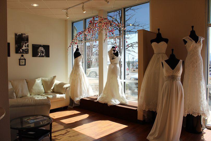 Danielle 39 s wedding dresses colorado springs discount for Colorado springs wedding dresses