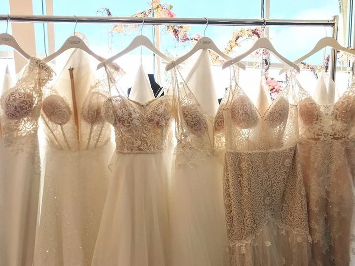 Tmx 1526673793 46dd1a1f9ef8d706 1526673792 7ba0b400aa2e510d 1526673797470 8 29790706 174809438 Pueblo, CO wedding dress