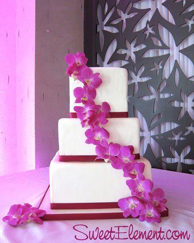 Tmx 1332534789645 Squareweddingcakewithfuschiadendrobiumorchids East Orange wedding cake